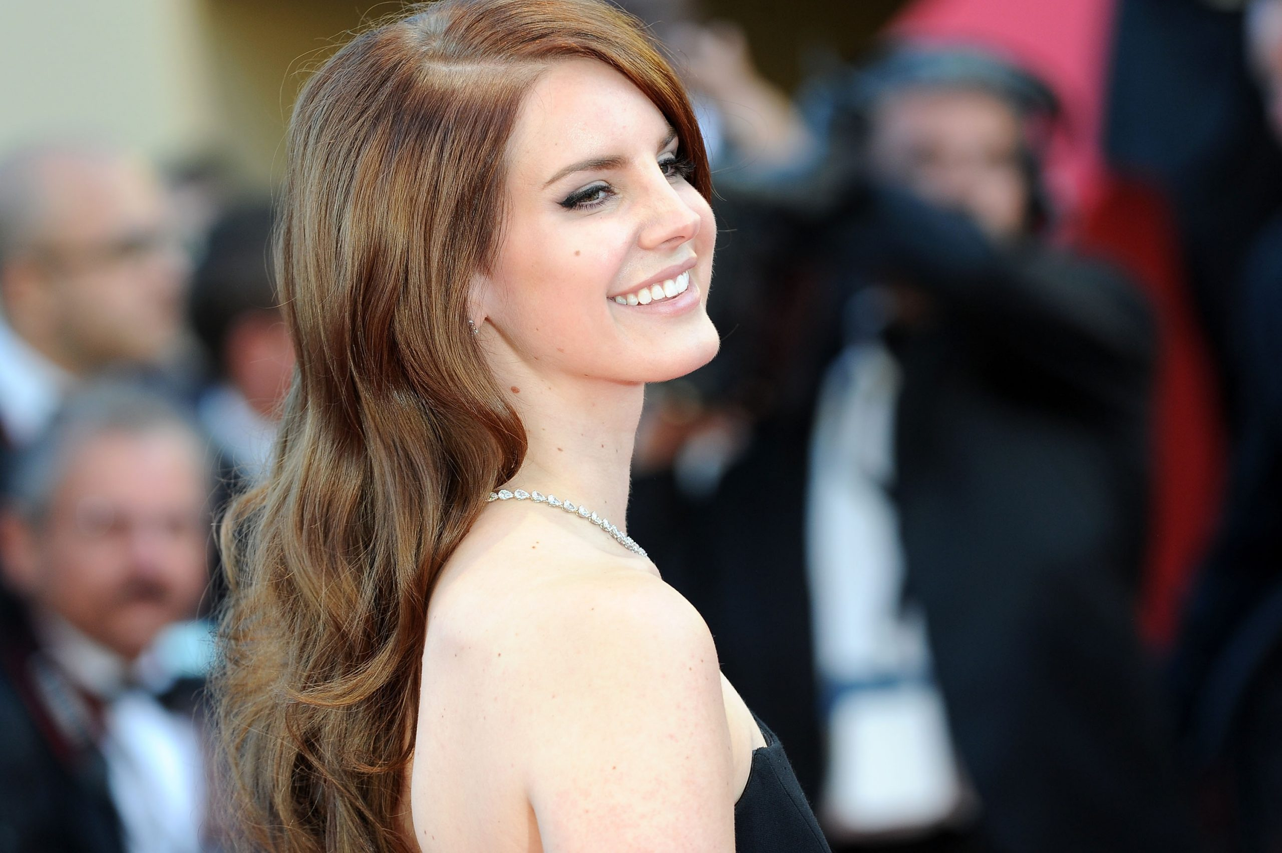 9 Facts Until You Get To Your Own Lana Del Rey Property